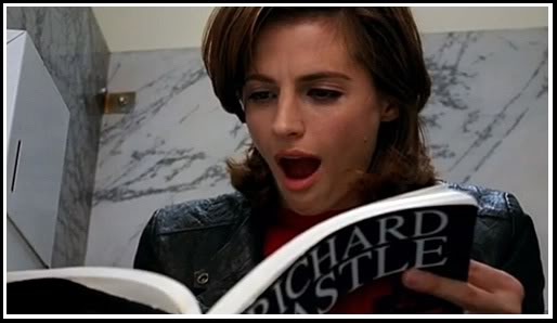 beckett reading page 105 on Castle Stana Katic