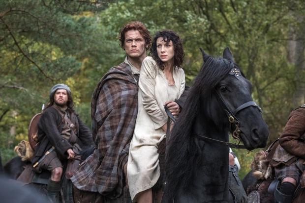 Outlander CAITRIONA BALFE Claire Randall SAM HEUGHAN Jamie Fraser